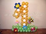 цифра из шаров с пчелкой