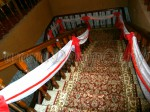 Украшение лестницы тканью