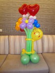 Букет цветов из шаров с сердечками