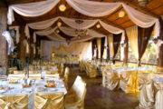 Украшение шатра на свадьбу тканью и цветами